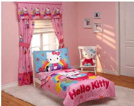 This Is A 4 Piece Toddler Hello Kitty Bedding Set Which Only Fits Beds The Super Adorable Comes With Quilted Comforter Flat Top Sheet