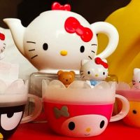371bdb20d0563 McDonalds Happy Meal Now With Hello Kitty Toys